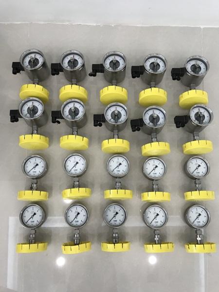 Đồng hồ áp lực giá rẻ