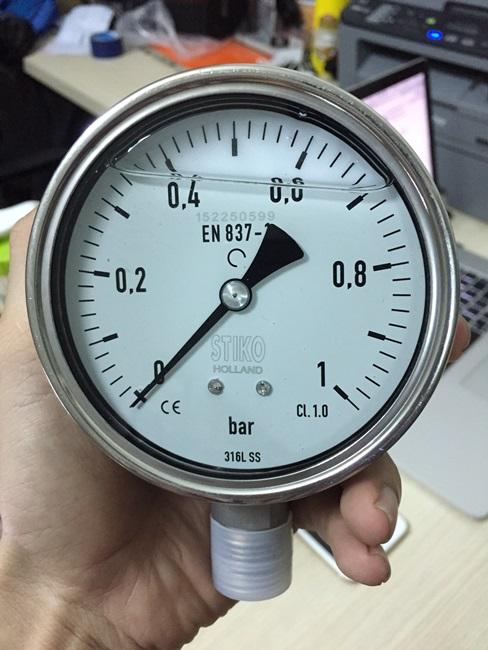 Đồng hồ áp suất dầu